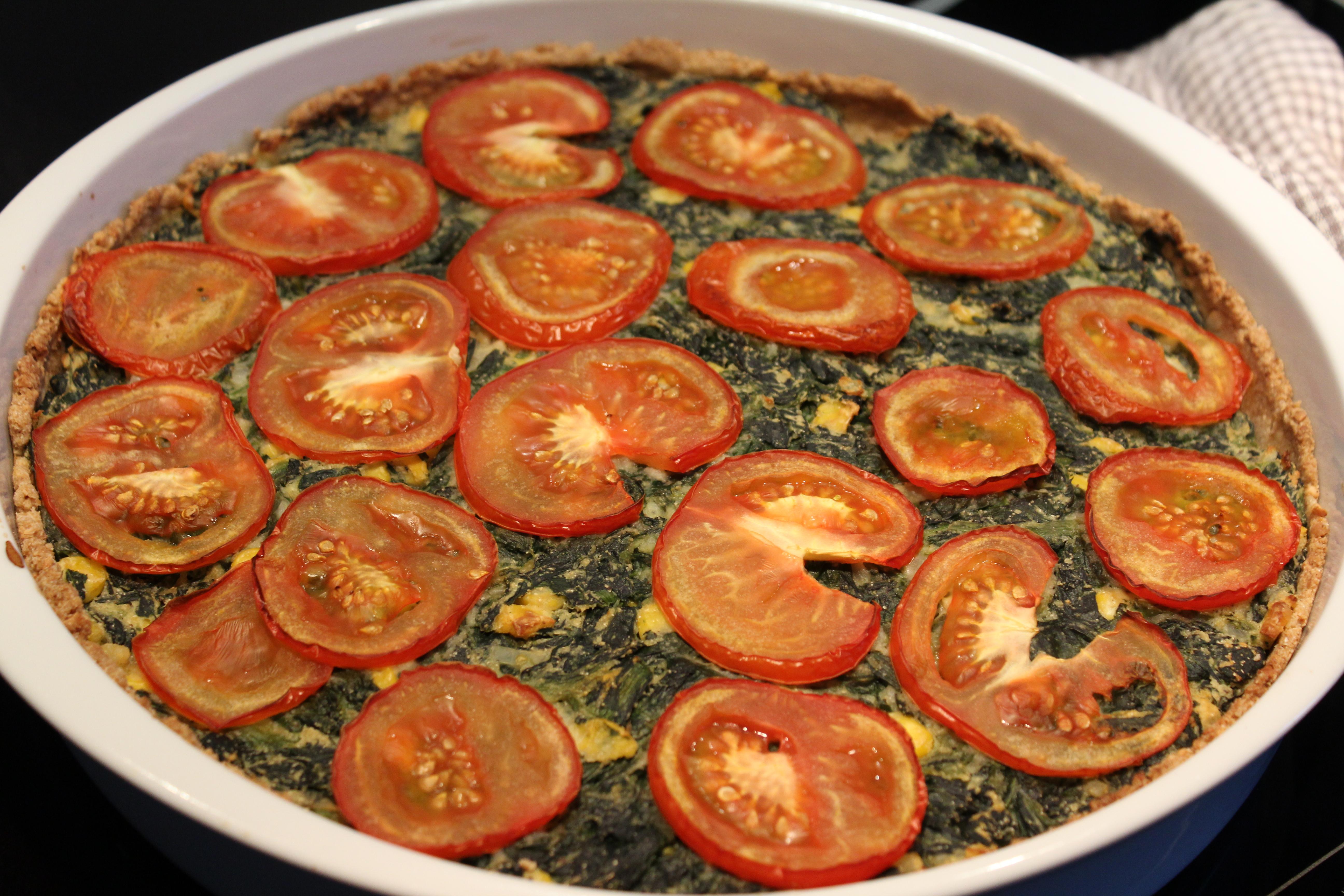 Spinattærte med tomat
