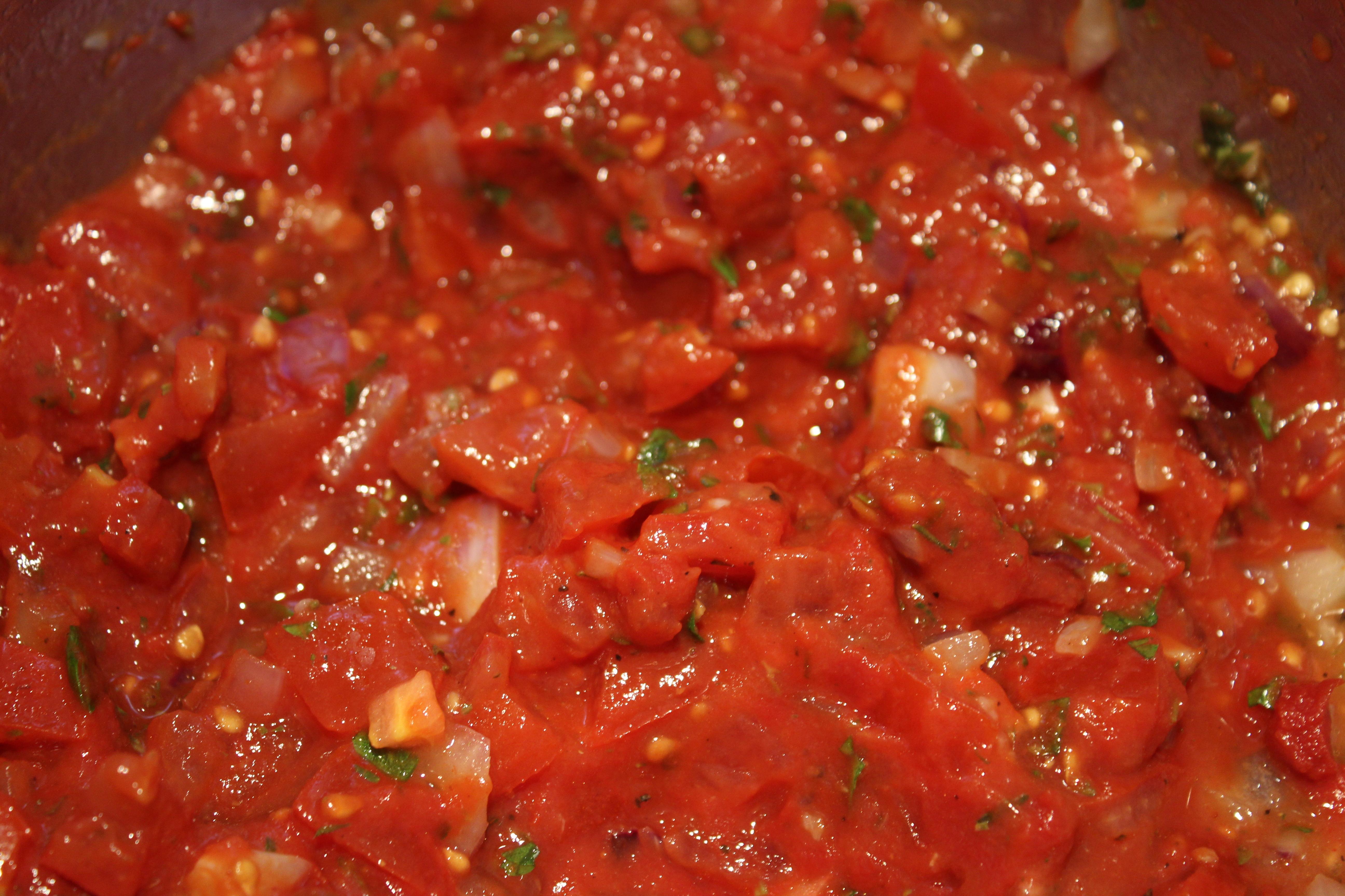 tomatsauce som fyld i lagtærte