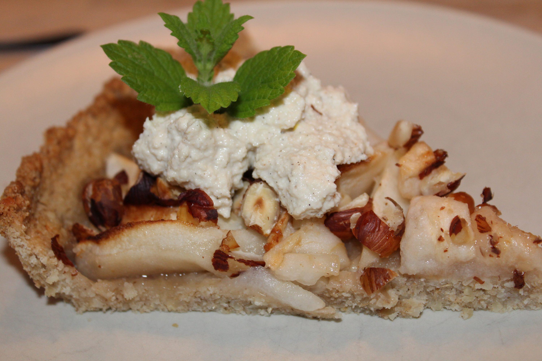 Vegansk æbletærte med cashewnøddecreme