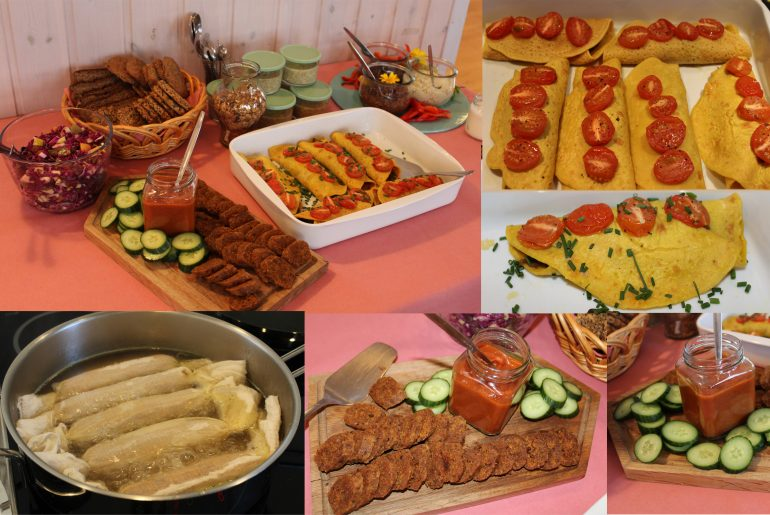 Vegansk brunchbuffet med kikærteomelet og chorizo