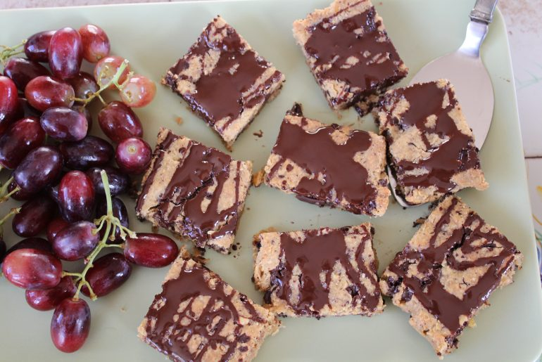 Chokoladeblondie med valnødder