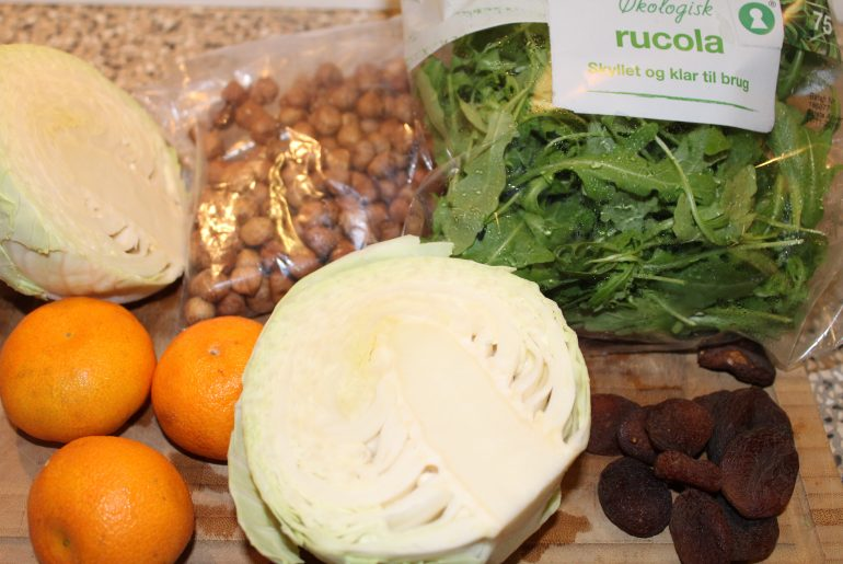 Ingredienser til hvidkålssalat