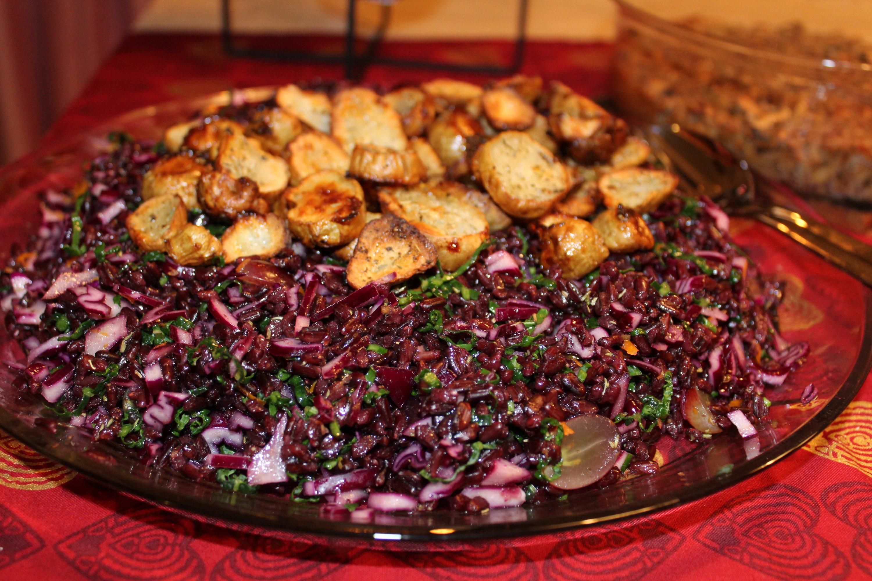 Salat med sorte ris og sprøde jordskokker