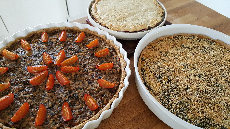 Champignonpatetærte, spinattærte og rødbedetærte
