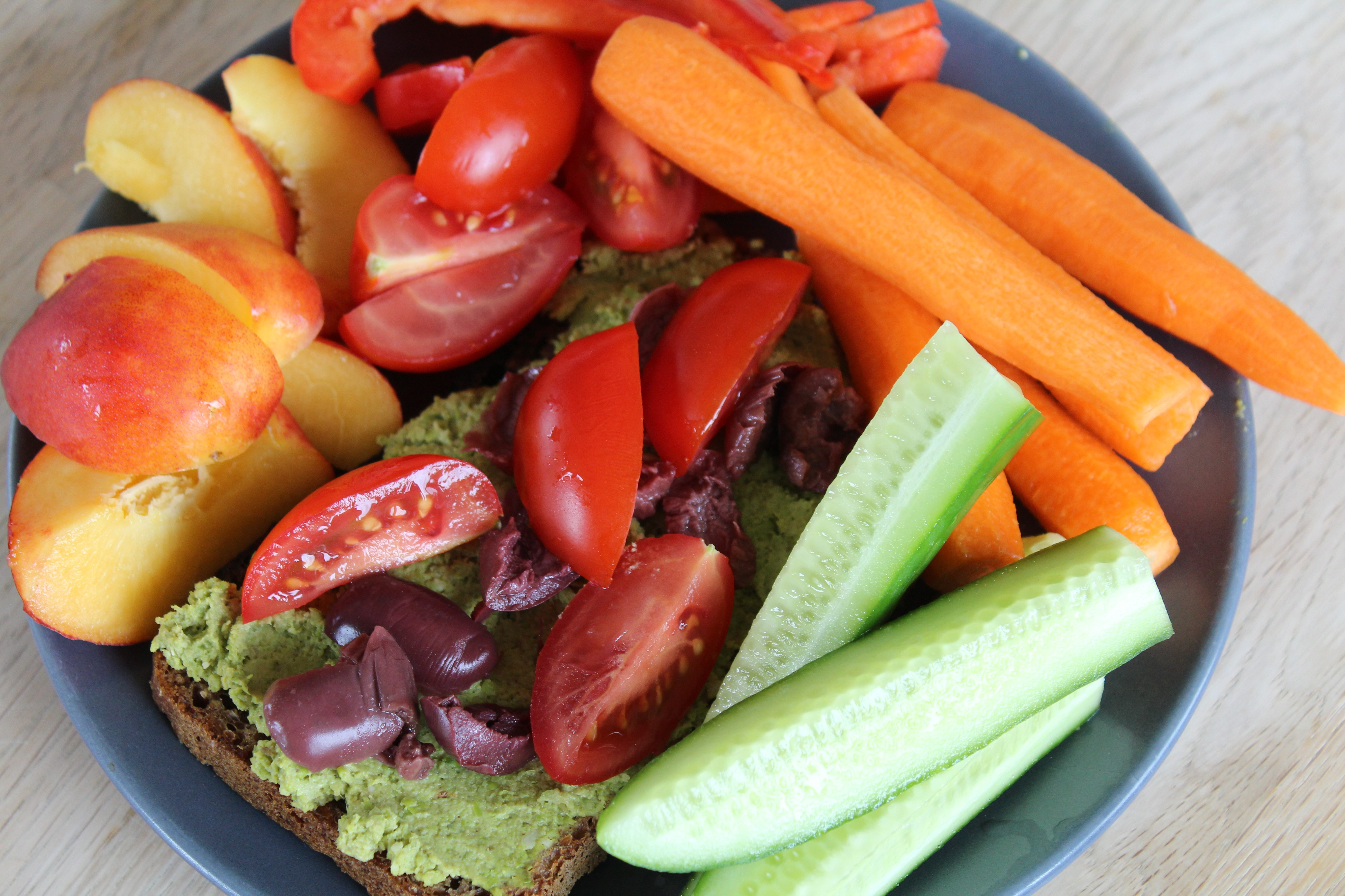 Farverig vegansk frokost