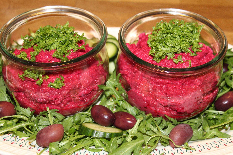 Vegansk rødbedehummus
