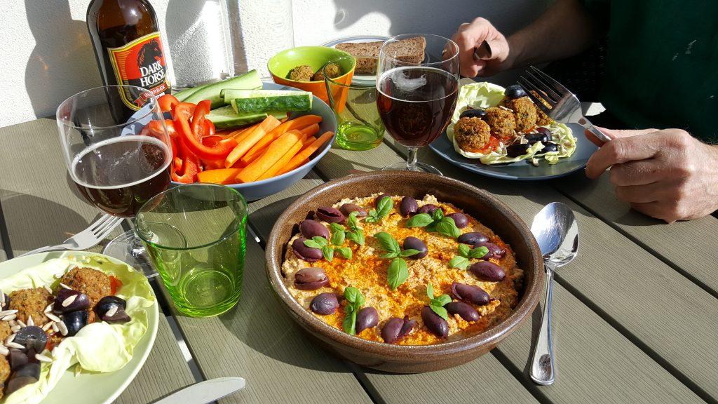 Vegansk lørdags frokost på terrassen