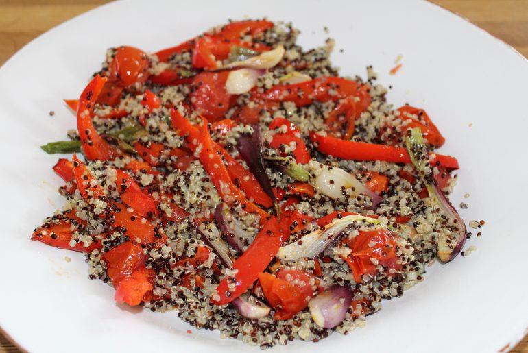 Farvet quinoasalat