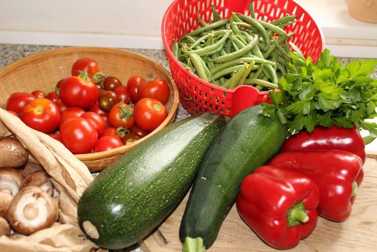 Veganske farserede grøntsager