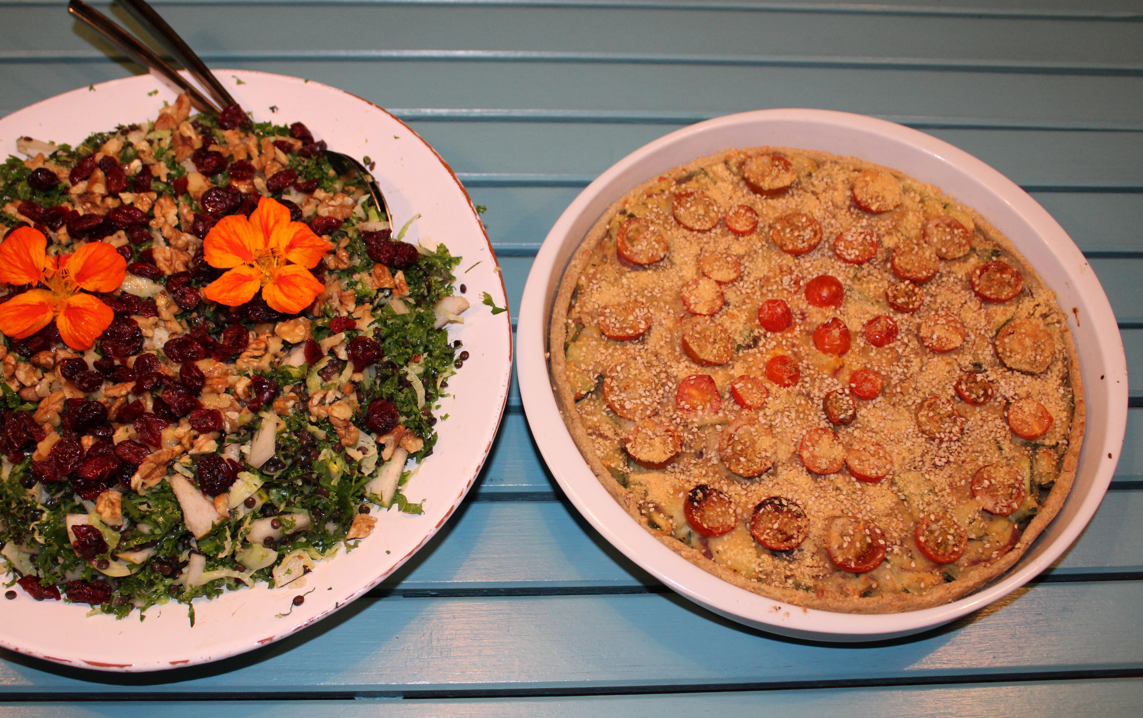 Squashtærte og en kålsalat