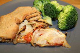 Galette med tomat og fennikel med broccoli