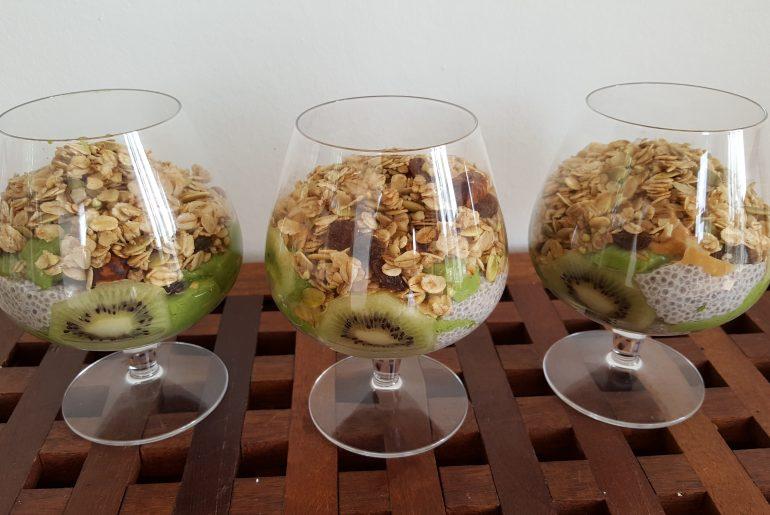 Chiaparfait med grønkål og avocado