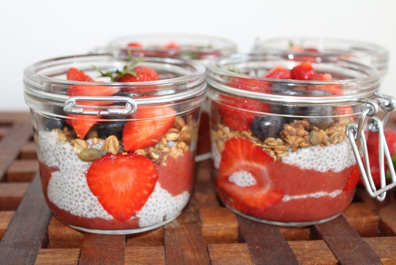 Chiaparfait med jordbær-rabarberkompot