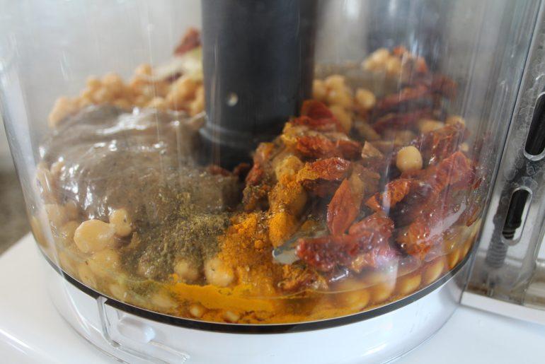 Hummus med soltørrede tomater