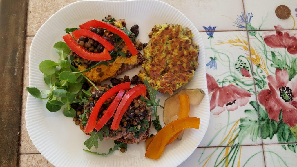 Frokosttallerken med food-preppet pålæg