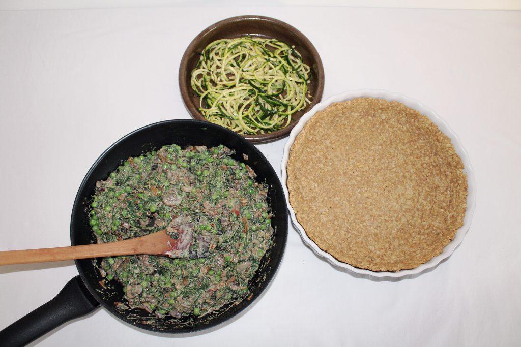 Tærtelet med spinat, svampe, ærter og squash