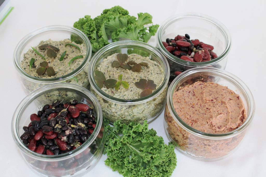 Smørepålæg med grønkål og hasselnødder