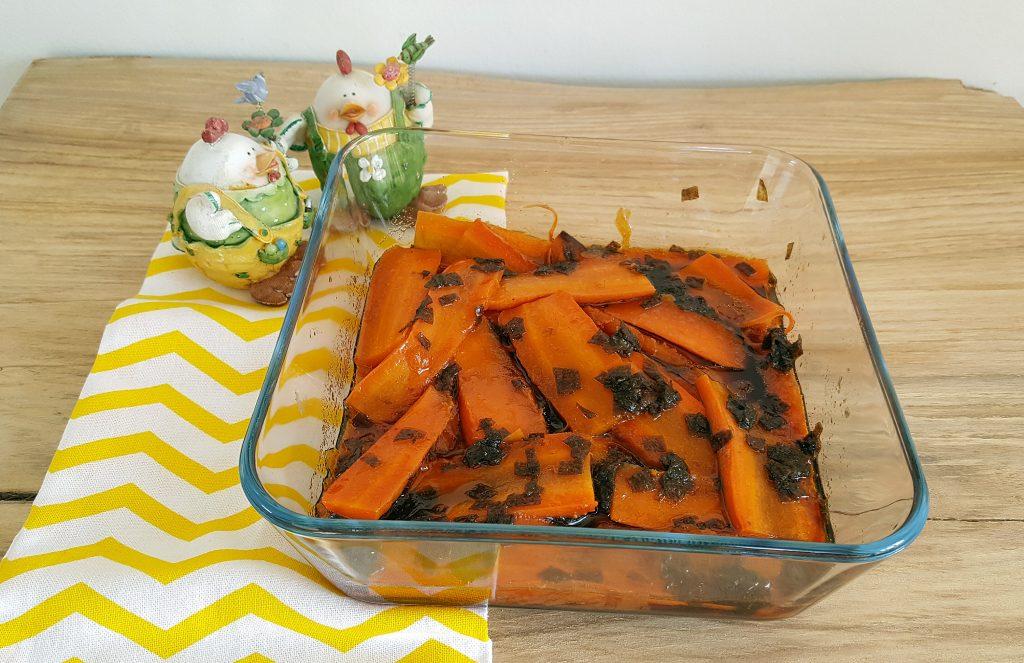 Røgmarinerede gulerødder