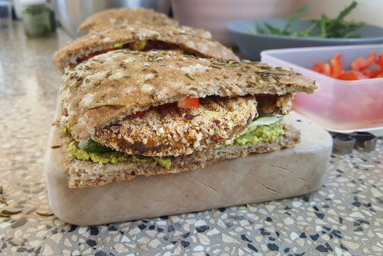 Sandwich med paneret aubergine